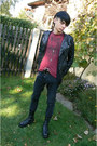Black-deichmann-shoes-black-denim-co-jeans-brick-red-new-yorker-t-shirt