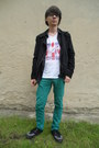 White-new-yorker-t-shirt-black-tuk-boots-turquoise-blue-new-yorker-jeans