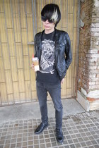 black Deichmann shoes - black Denim Co jeans - black New Yorker t-shirt