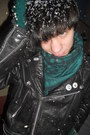 Black-vintage-jacket-white-humanic-boots-teal-thrifted-scarf