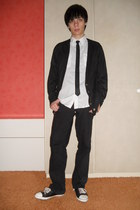 black Denim Co jeans - white New Yorker shirt - black Dorothy Perkins cardigan