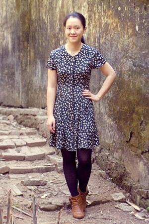 tawny Steve Madden boots - black floral vintage dress