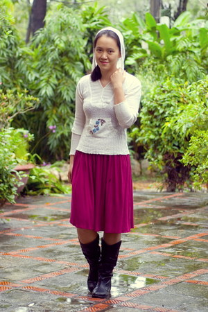 black boots - magenta dress - ivory sweater
