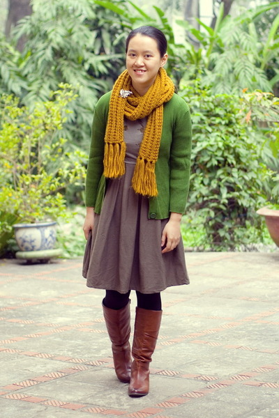 brown Aldo boots - dark khaki modcloth dress - mustard Forever 21 scarf