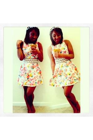OohLaLuxe dress - flowercrown DIY hair accessory
