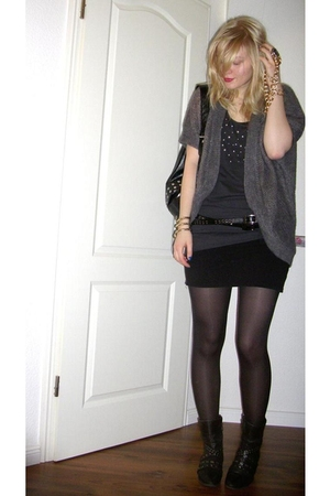 gray H&M cardigan - black H&M skirt - black Tamaris shoes