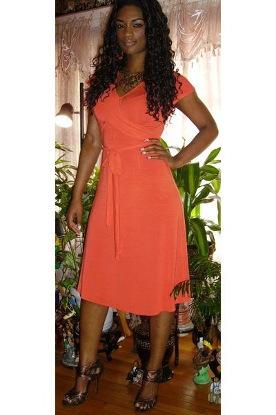 orange wrap banana republic dress - brown stiletto Bumper shoes