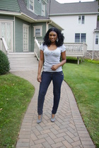 gray short sleeve Charlotte Russe top - gray heels Steve Madden shoes