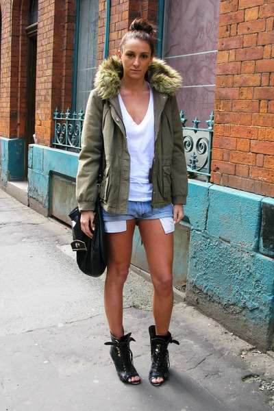 blue Vintage Levis shorts - black Topshop boots - green Boohoo coat