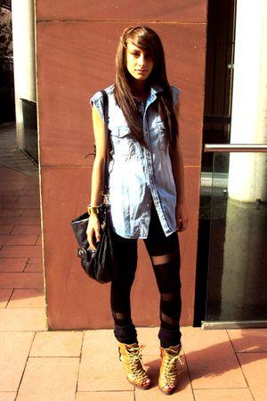 blue mens H&M shirt - brown heeled hikers asos boots - black mesh asos leggings