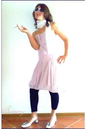Chanel sunglasses - Zara scarf - vintage dress - leggings - Sisley shoes