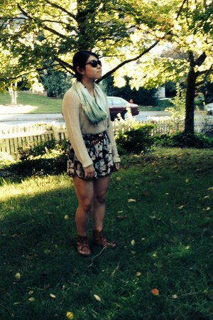 army green American Eagle sunglasses - brown Forever 21 boots - tan H&M sweater