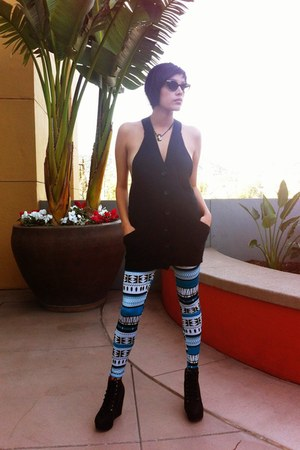 trival print tights - shoes - vest