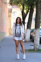 Zara blazer - Romwecom shorts - Romwecom t-shirt - Zara pumps