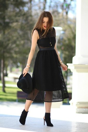 Romwecom dress