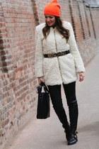 Romwecom belt - choiescom boots - Romwecom coat