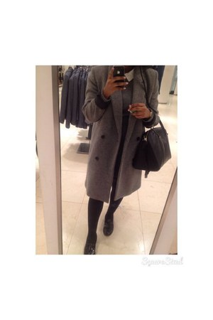silver oversized coat Zara coat - black bag