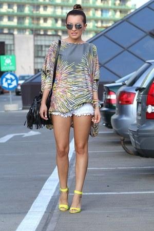 Vero Moda blouse - hm bag - Zara shorts - Stradivarius sandals