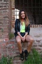 Bershka jacket - Vero Moda shorts