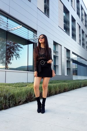 Zara t-shirt - Zara skirt