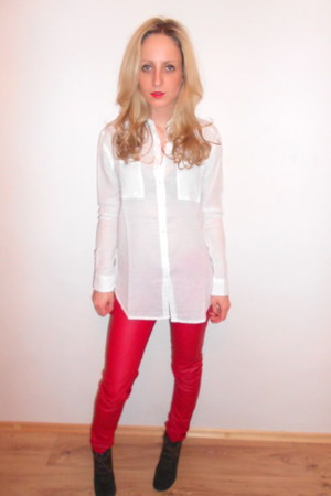 red New Yorker pants - army green Zara boots - white Cubus shirt