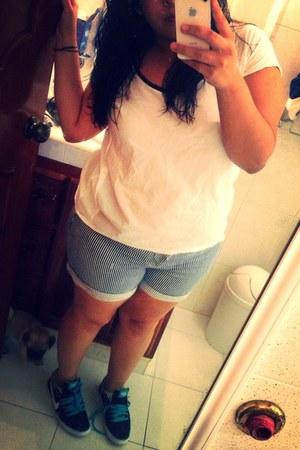 white Sfera shirt - blue Forever 21 shorts - black nike sneakers