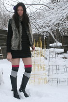 black thrifted boots - black thrifted sweater - pink gift socks - grey gift sock