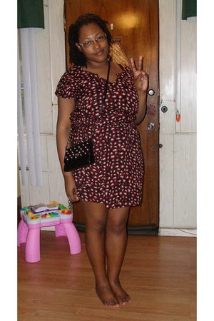 brown Old Navy dress - black Forever 21 purse