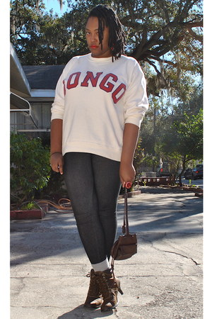 ivory Bongo sweater - black Forever 21 leggings - heather gray Forever 21 socks
