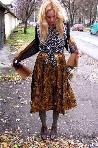 thrifted vintage skirt - vintage from etsy shoes - thrifted vintage shirt