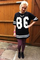 Topshop t-shirt - next boots - Topshop leggings - new look necklace