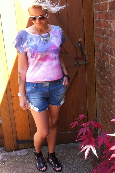 Topshop t-shirt - next shorts - next sandals