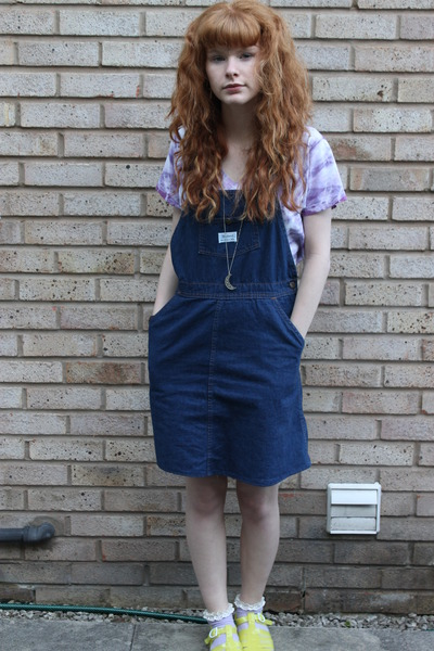 navy denim vintage dress - yellow Urban Outfitters x JuJu shoes