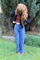 vintage scarf - my sisters coat - H&M jeans - Primark loafers - vintage top