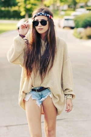 beige sweater - blue shorts - black sunglasses - american flag hair accessory