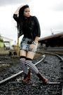 Doc-martens-shoes-japaneses-socks-hardware-skirt-zara-top-riot-barbie-sh