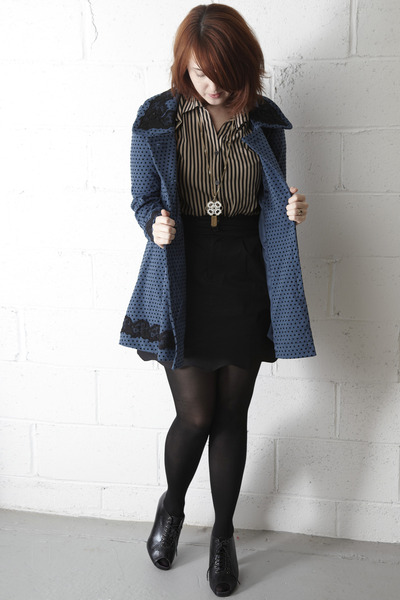 modcloth coat - modcloth shoes - thrifted vintage blouse - thrifted vintage neck