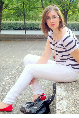 ruby red Dolce Vita ring - ruby red Tino Gonzlez shoes - white Zara jeans