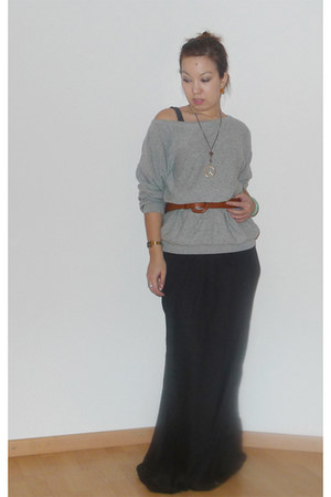 heather gray oversized H&M jumper - tawny leather vintage belt - black shiny Top