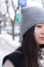Black-black-and-white-h-m-sweater-silver-grey-beanie-zara-hat