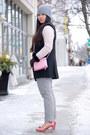 Silver-grey-beanie-zara-hat-black-black-and-white-h-m-sweater