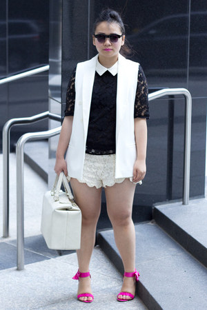 white sleeveless Zara blazer - white lace Urban Outfitters shorts