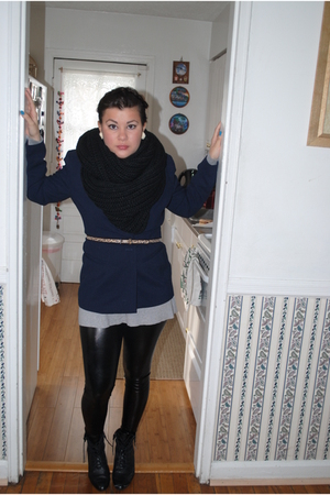 black Urban Outfitters scarf - black Zara leggings - gray Target sweater - black