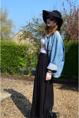 sky blue vintage Levis vest - black Dr Martens boots - black H&amp;M skirt