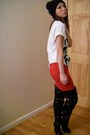 Red-skirt-white-urban-outfitters-t-shirt-black-shoes-silver-forever21-neck