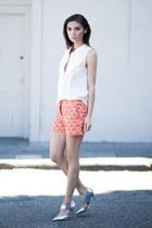 blue yumi necklace Fiona Paxton necklace - carrot orange Joe Fresh shorts