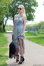 Heather-gray-dress-black-bag-black-sunglasses-silver-necklace