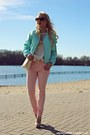 Aquamarine-jacket-ivory-bag-bronze-sunglasses-ivory-blouse-peach-pants