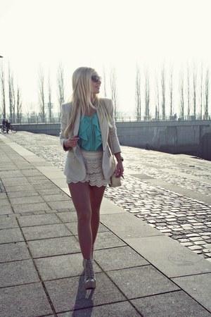 cream shorts - cream Zara blazer - aquamarine Primark blouse