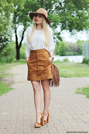 camel hat - beige jacket - camel bag - bronze sandals - bronze skirt